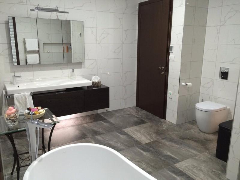 Плитка под мрамор для ванной комнаты фото дизайн