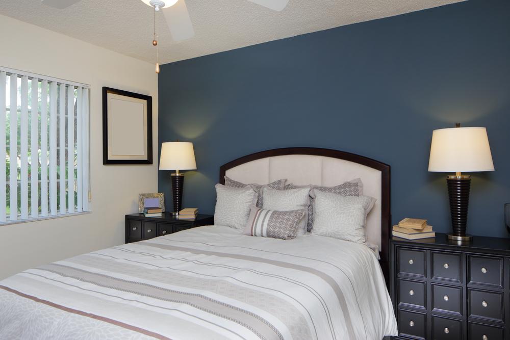 Маленькая спальня: реальные фото примеры, практические советы