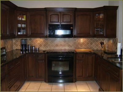 Темная кухня классика 42 фото выбираем классический дизайн кухни в коричневых и черных тонах интерьер кухни в классическом стиле в цвете венге