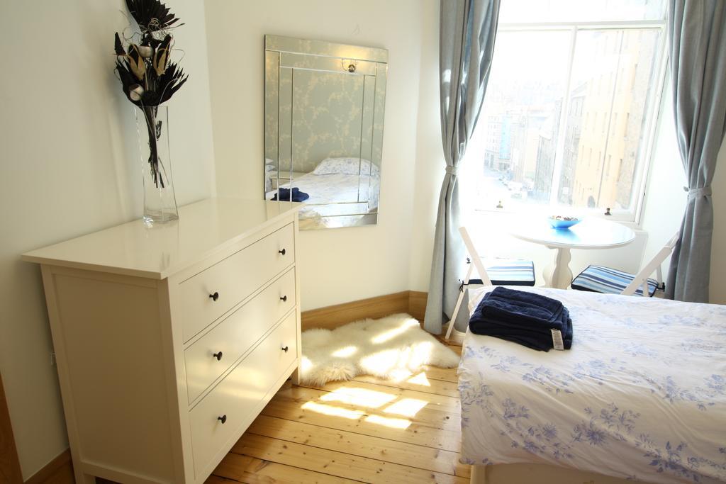 Какой комод выбрать для спальни: полезные советы, 100+ реальных фото примеров
