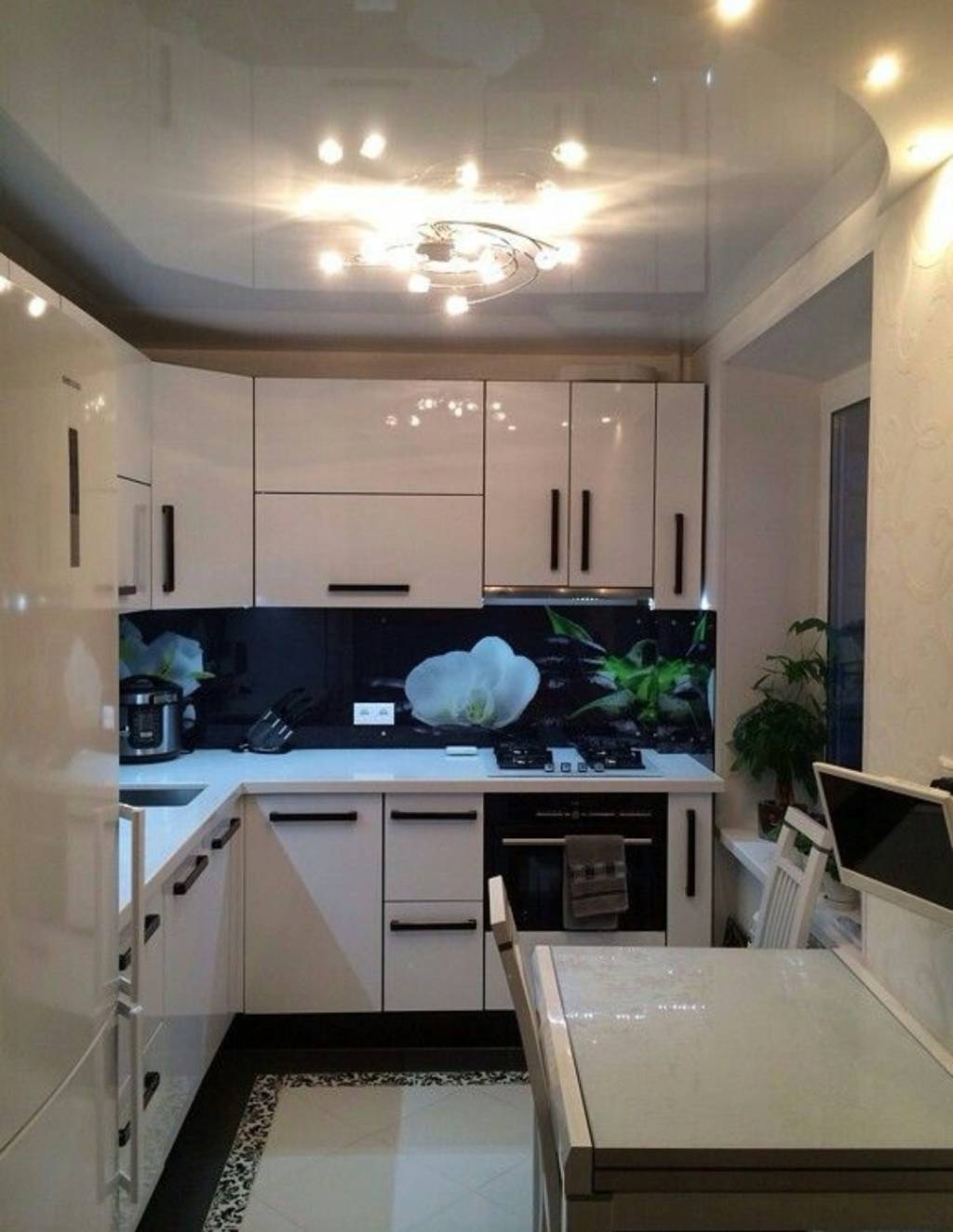 Белая глянцевая кухня: полезные советы дизайнеров, реальные фото примеры