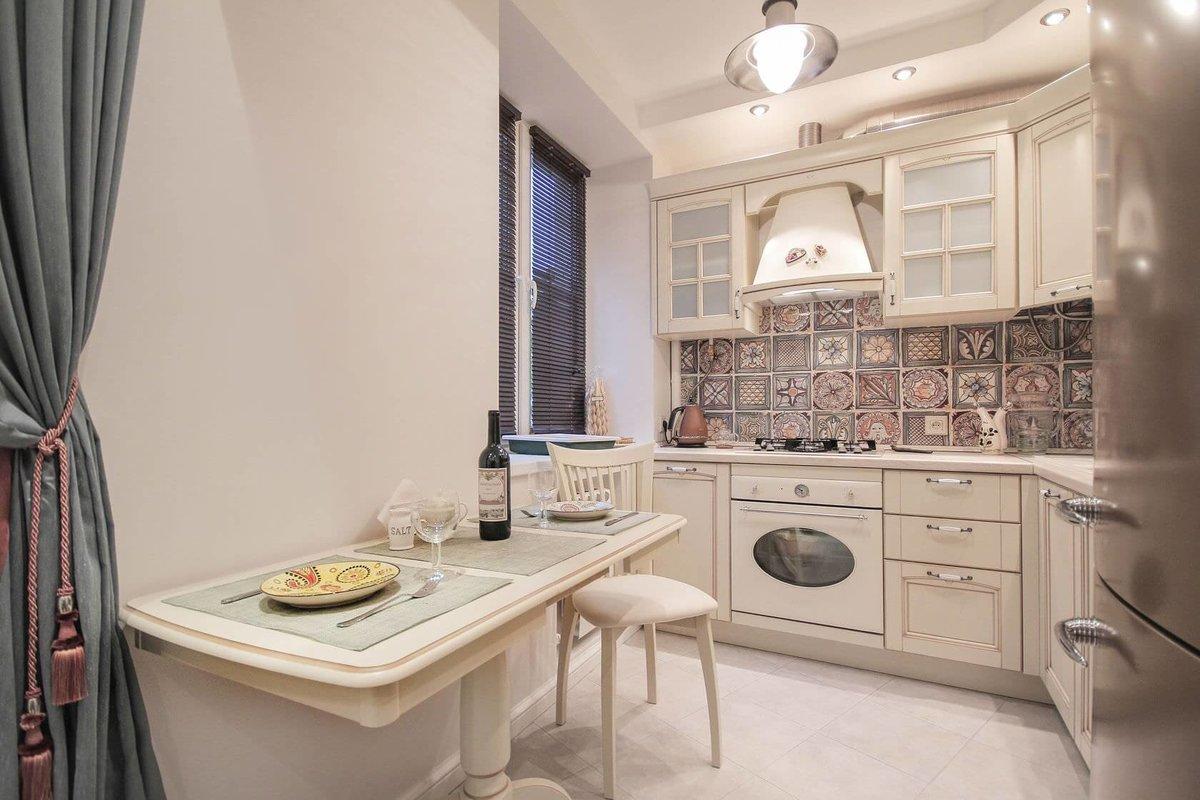 Фото красивого современного кухонного гарнитура теле